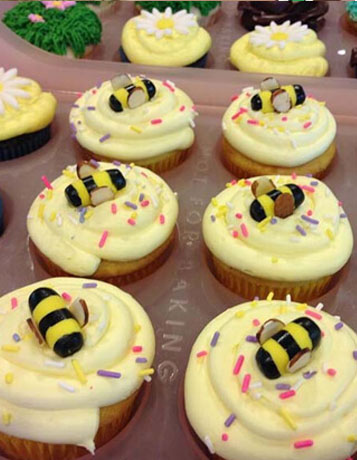 Bee Custom Cupcakes | Hollister, CA | Creative Cakes By Helen